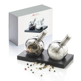 Planet Salt and Pepper Set